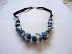 collier-boule-fleur-bleues-3.jpg